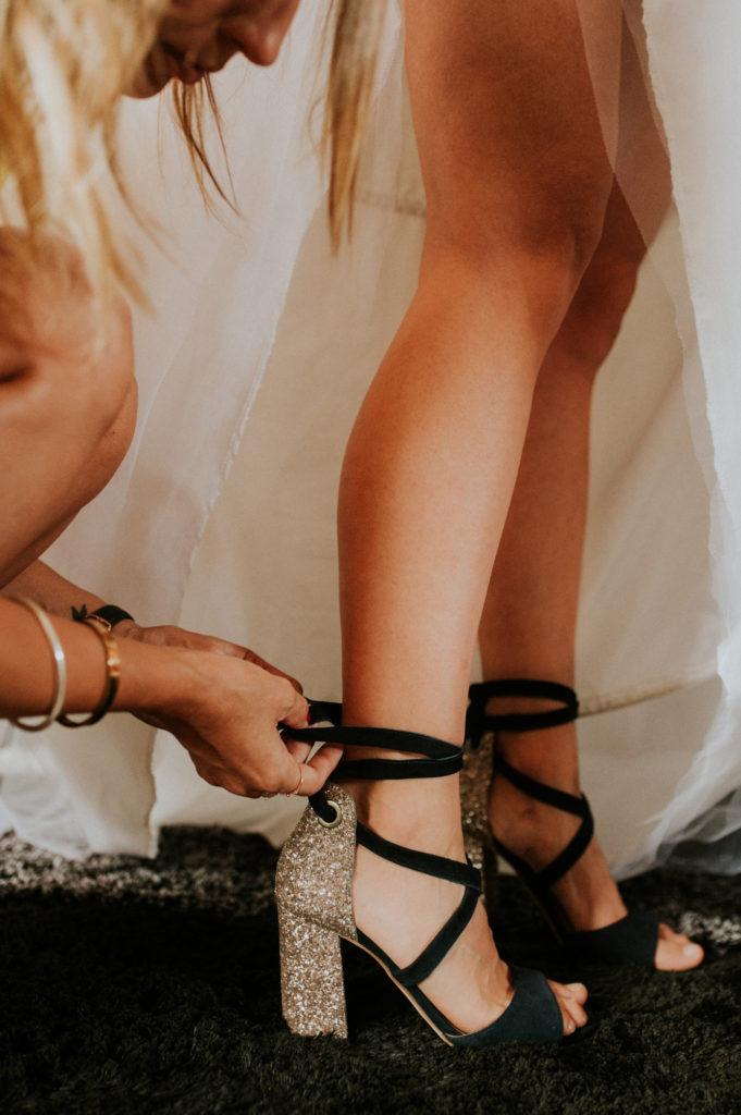 preparatifs de la mariee a bordeaux - chaussures de mariee a paillettes minelli